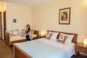 Triple room, Lakmos Hotel Tzoumerka hotels accommodation Prosilio Ioannina
